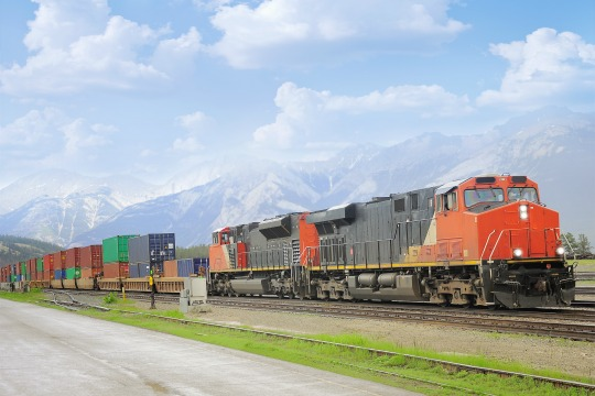 freight train intermodal